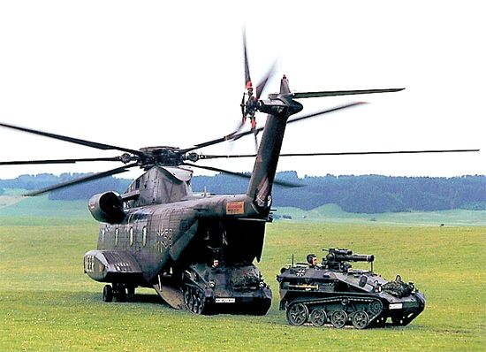 Armoured weapon carriers WIESEL 1 MK20 and TOW with CH-53 Helicopter, with good all-round observation and target reconnaissance facilities and night combat ability.